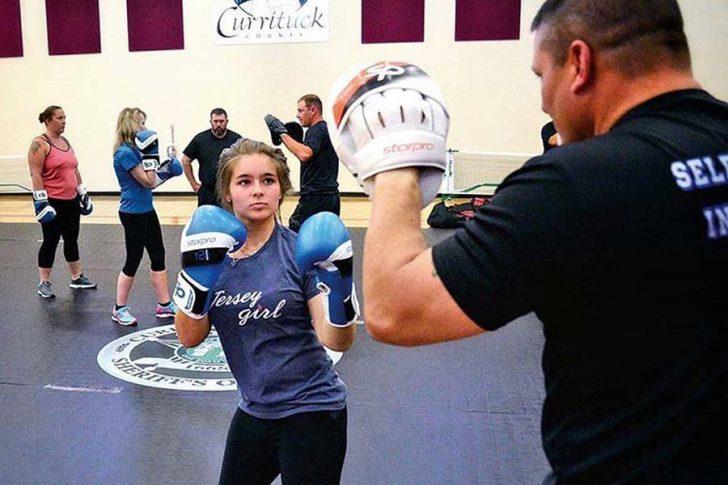 Women's Self Defense Training Stage 1