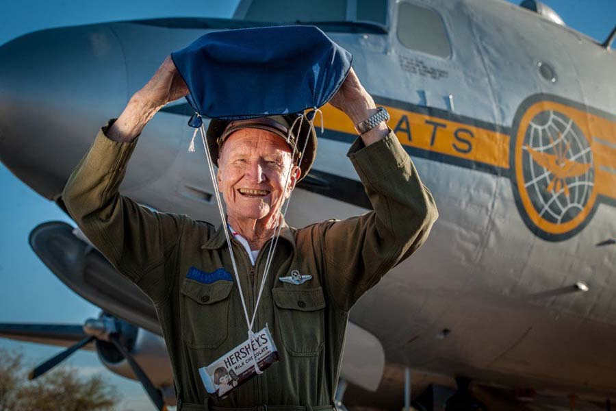 'Candy Bomber' fully recovered from COVID
